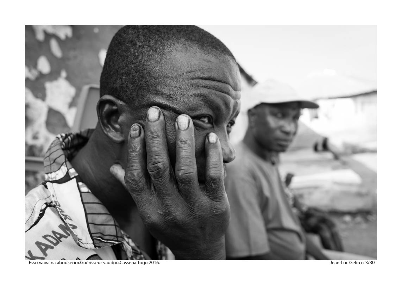 JLG photo N/B Guerisseur vaudou - Cassena, Togo